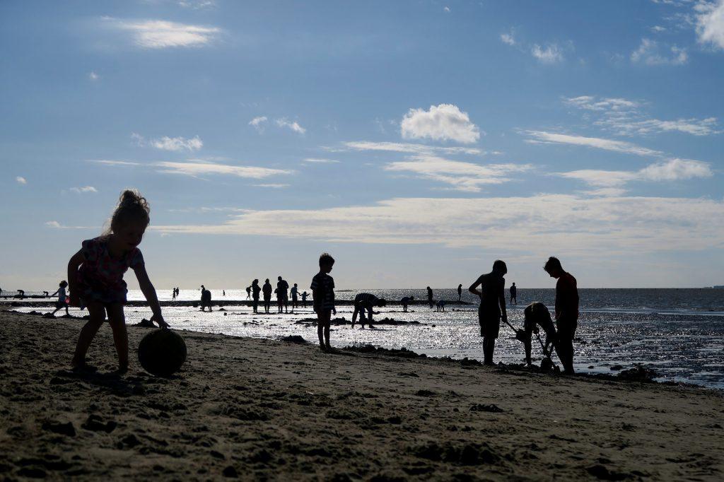 beach-1594736_1920
