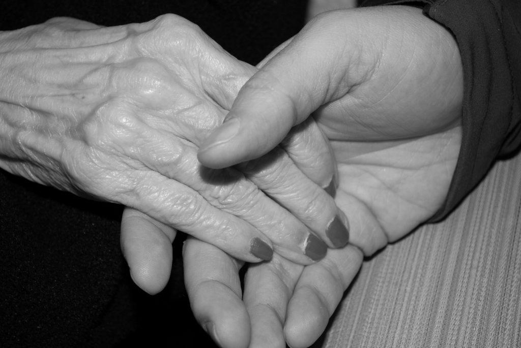hands-aged-elderly-old-senior-skin-holding-hands