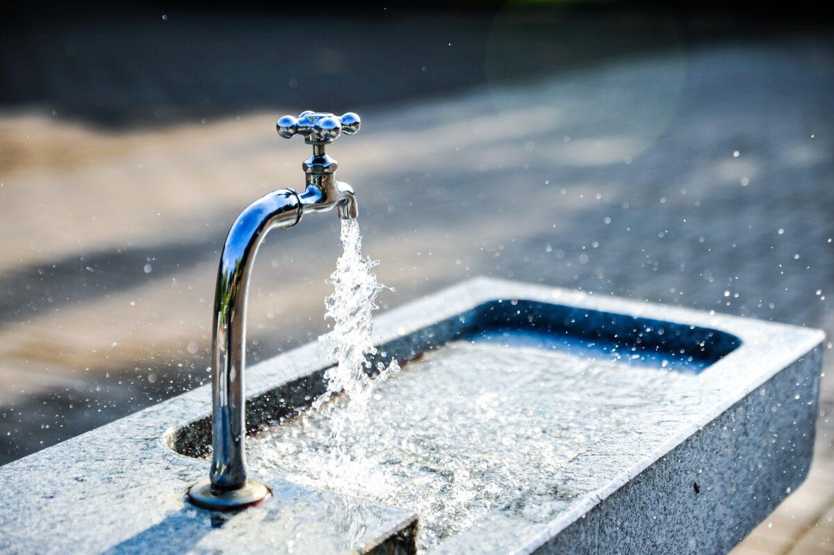 Réparations et nettoyage des réservoirs d'eau sur le réseau AEP dans le Mené